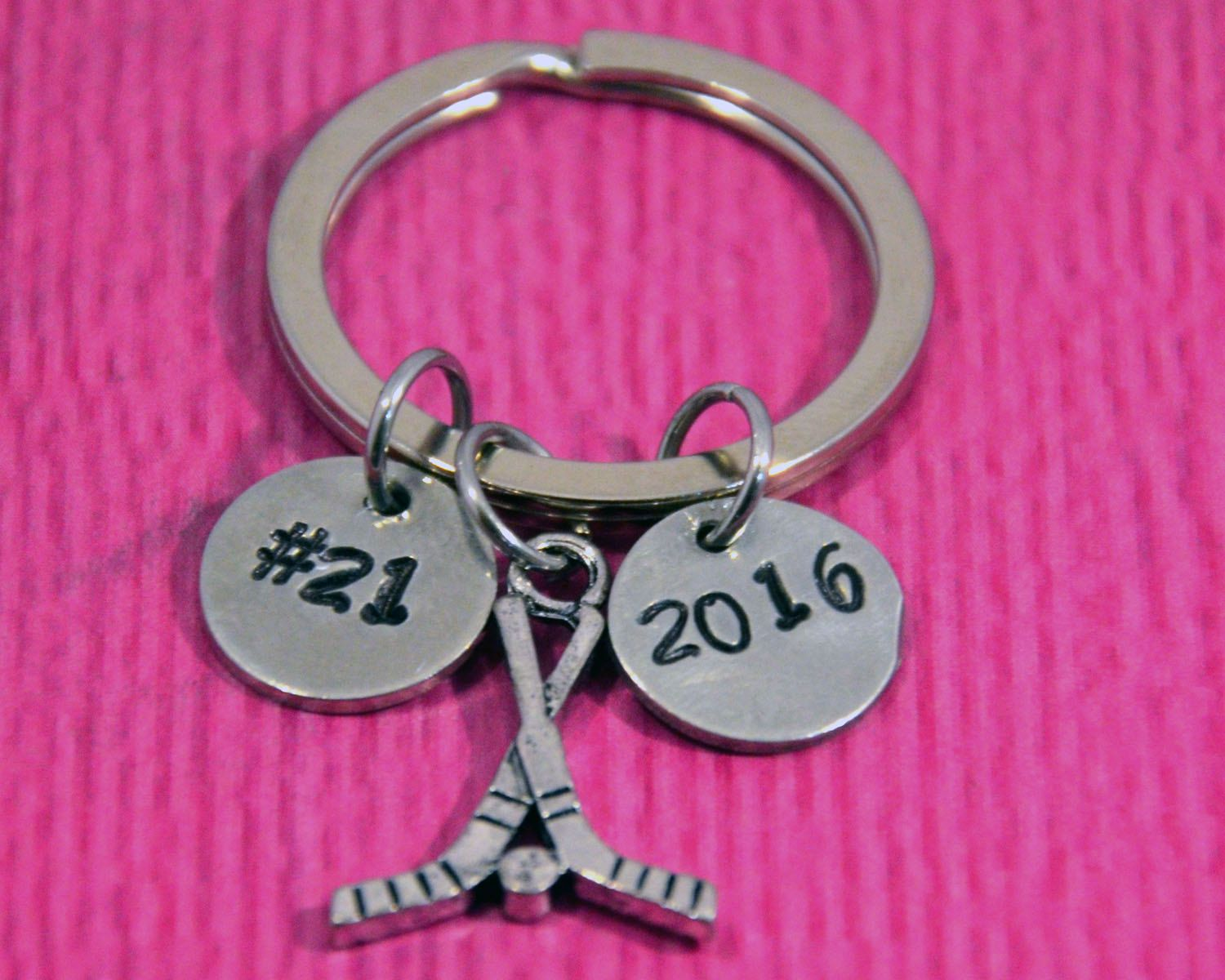 Mothers Day Gift /'No 1 Mum/' Silver with Pink Metal Keyring