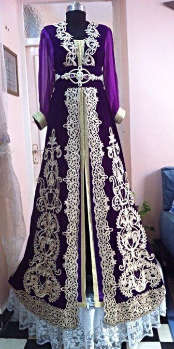 ceb5476ab3c Caftan Moderne · Les vetements Algerian. Le robe violet et scintillant et  dore. Je ne port pas