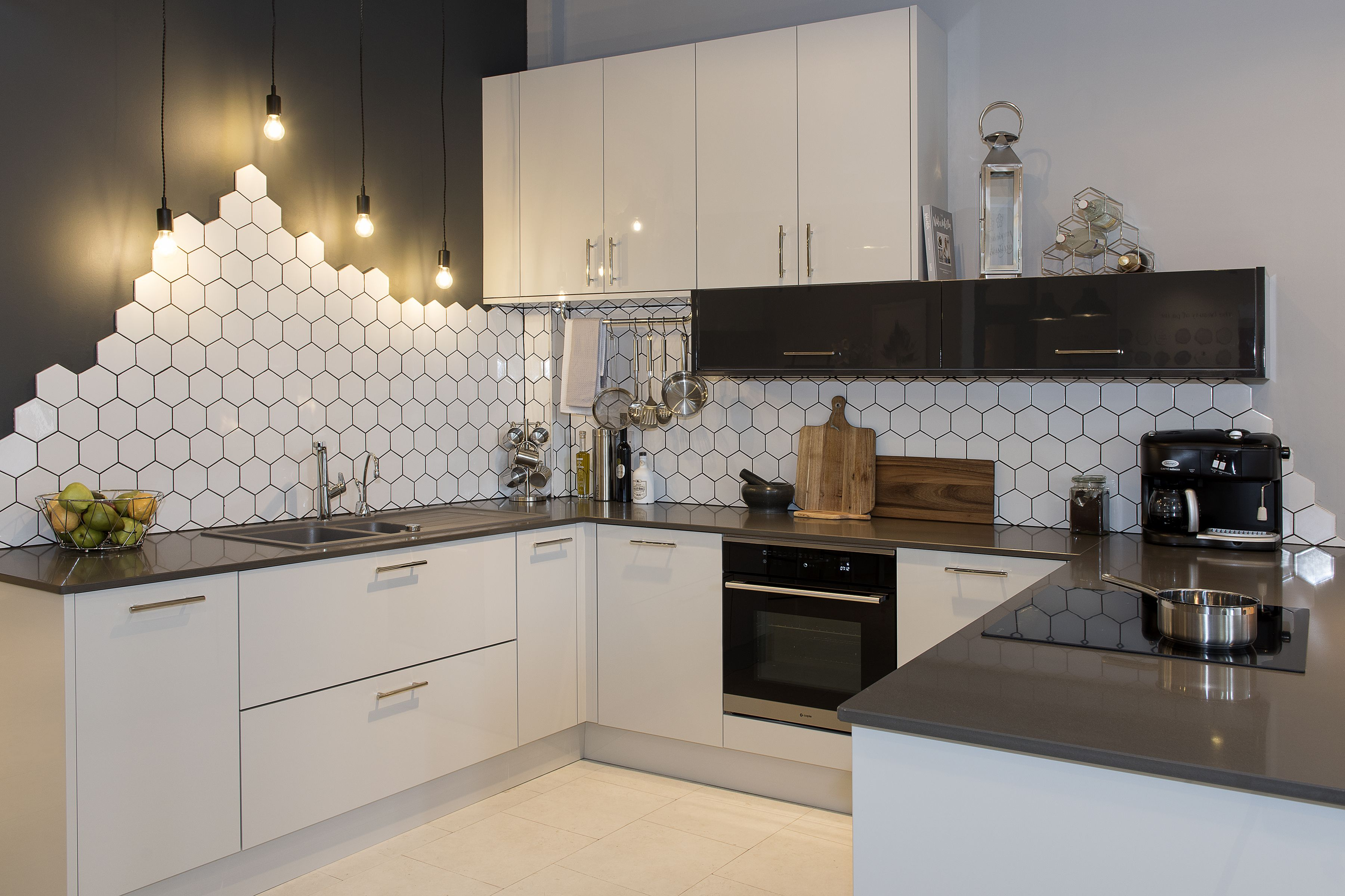 For A Contemporary Kitchen With Sophistication Choose The Loxley Gloss In White This Modern Kitchen Cabinet Design Kitchen Cabinet Design Contemporary Kitchen