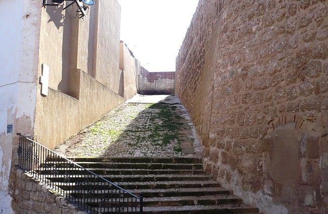 Rampa de acceso al castillo de Calanda