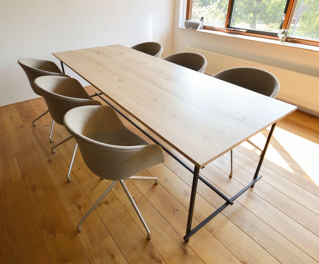 Eiken tafel zwart stalen frame 04 stoelen en tafels pinterest