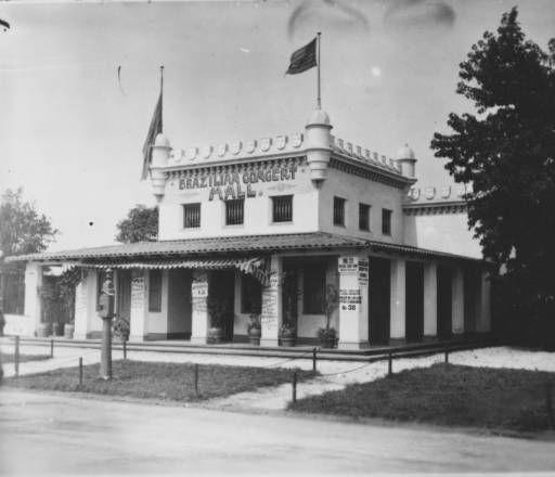 Brazilian Concert Hall, Midway :: P.S. du Pont / Longwood Collection