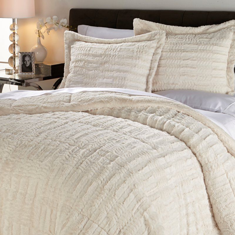 blankets throw home bedding queen faux accessory comforter away hwords set wit tag bedroom fur