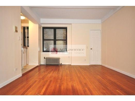 Studio Upper West Side Manhattan 1 900 400 Sq Ft Nyc
