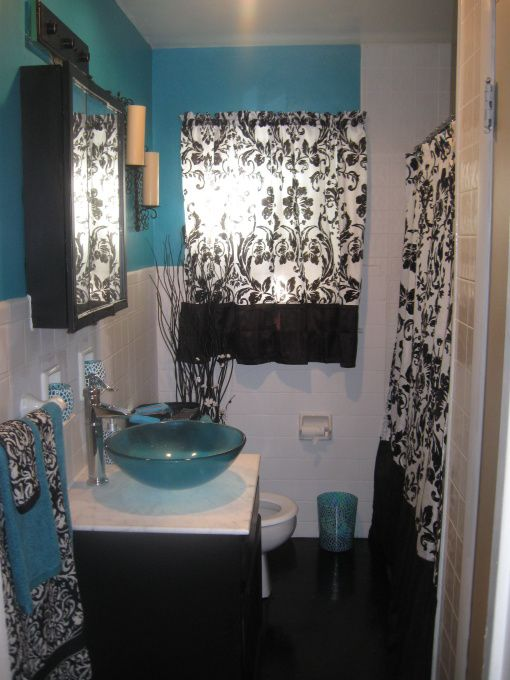 Black White And Turquoise Beauty Fairly Small Full Bath