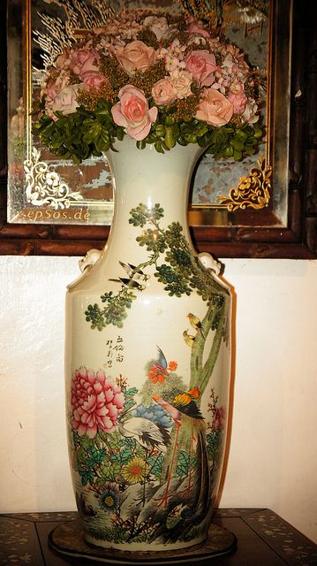 Old Chinese Vase With Flowers Chinese Vases Pinterest Vase