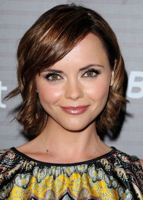 30 Best Hairstyles For Big Foreheads Herinterest Com Cool Hairstyles Haircut For Big Forehead Big Forehead