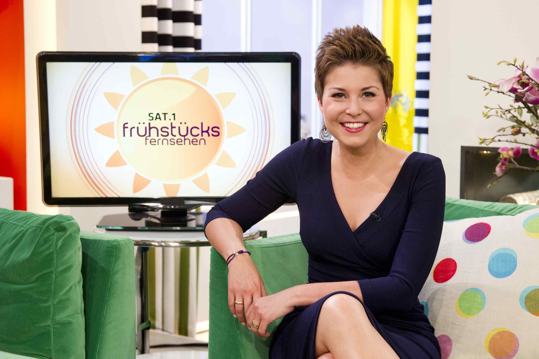 Vanessa Blumhagen Wechselt Von Rtl Zum Sat 1 Fruhstucksfernsehen Starsontv Vanessa Blumhagen Fruhstucksfernsehen Fernseher