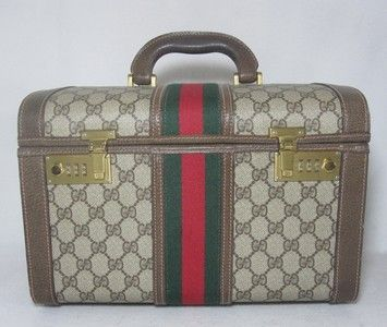 bc586bad710 Save on the Gucci Brown Leather Coated Canvas Weekend Travel Bag! This travel  bag is a top 10 member favorite on Tradesy.