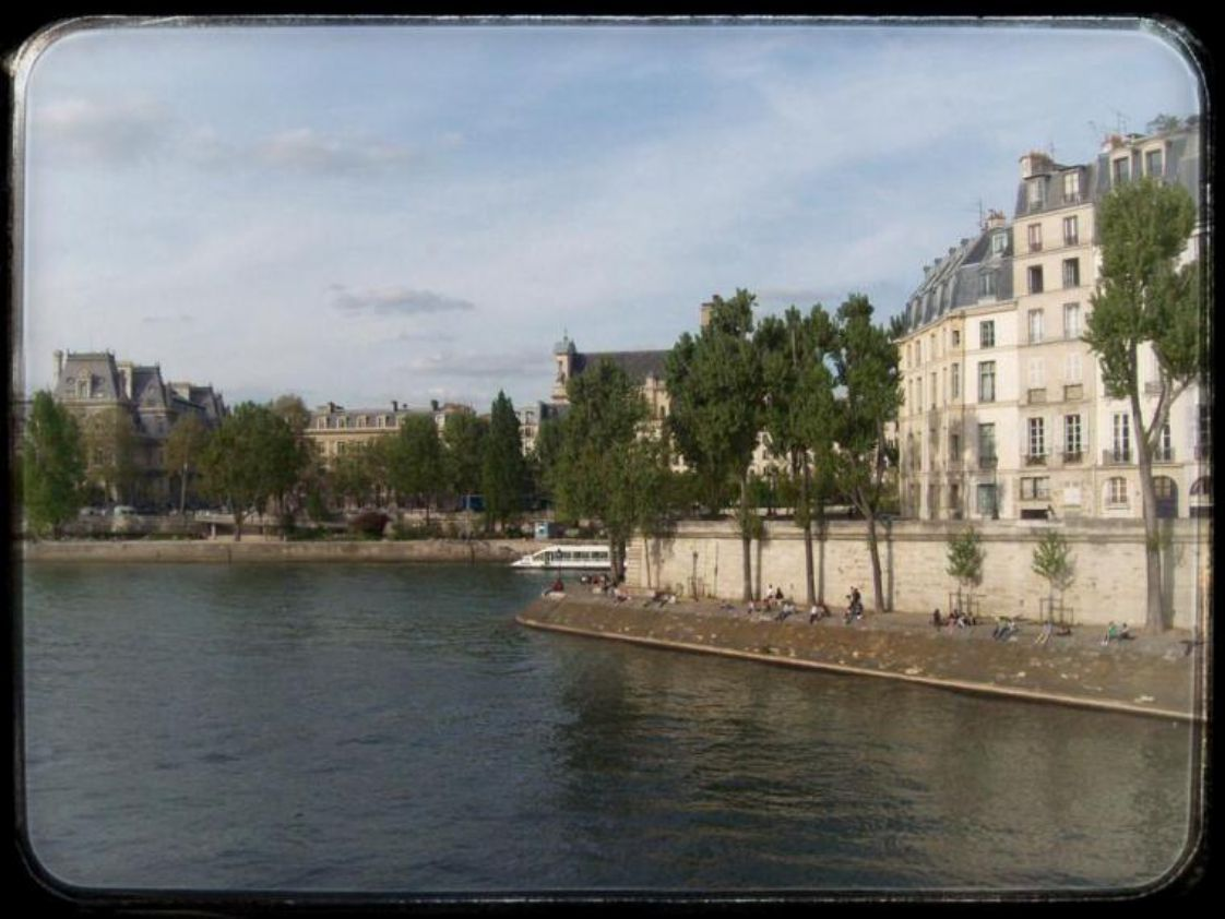 """Δείτε το άρθρο του Trip to Trip με τίτλο: """"Το Παρίσι αλλιώς… (σε δυο μέρες)"""" #1 στο www.eptanews.gr"""
