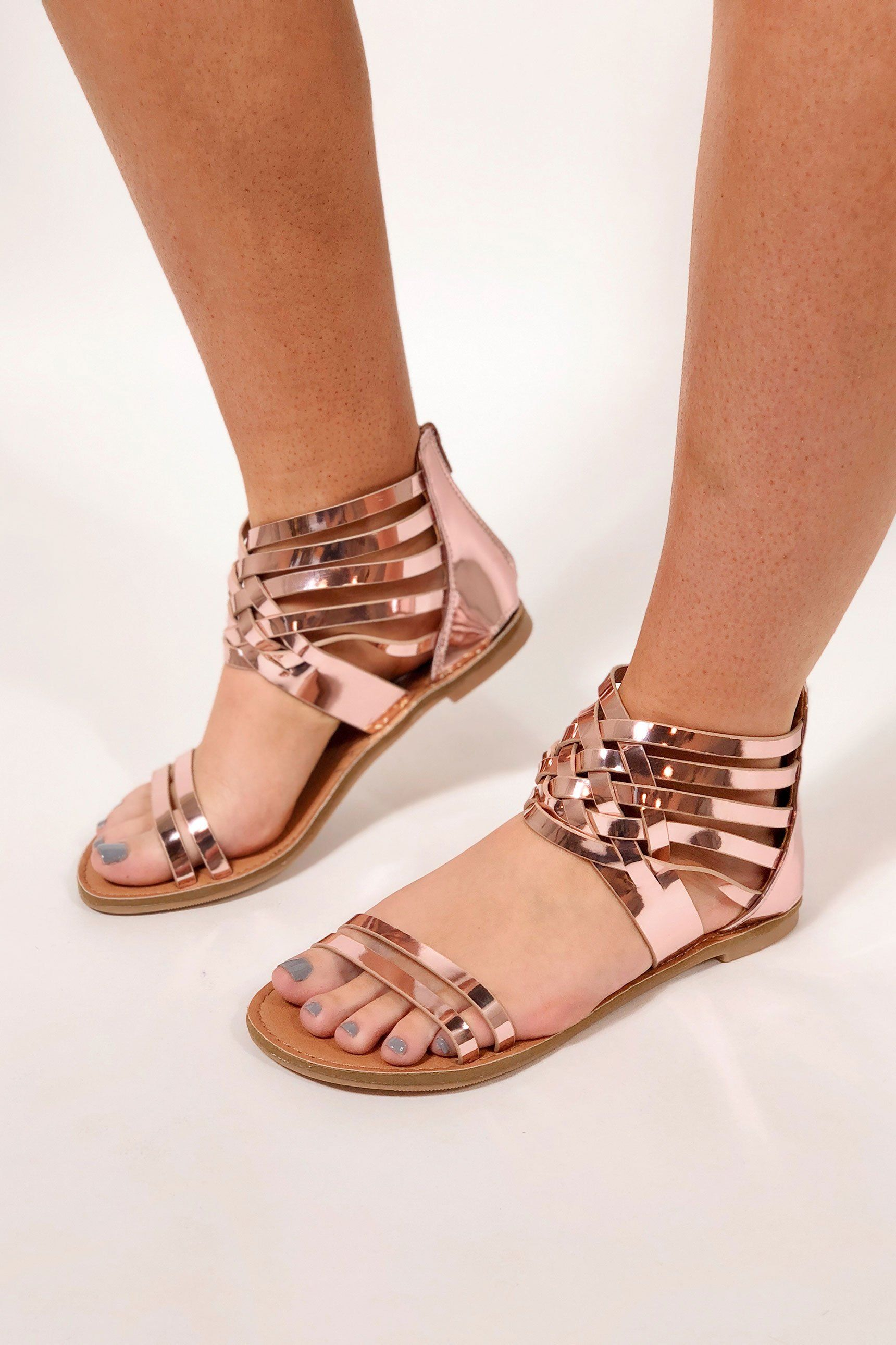 92ed683a945a Pin by ADEEBA❤ARCHEE on girls➖ballies n shoes girls footwear ...