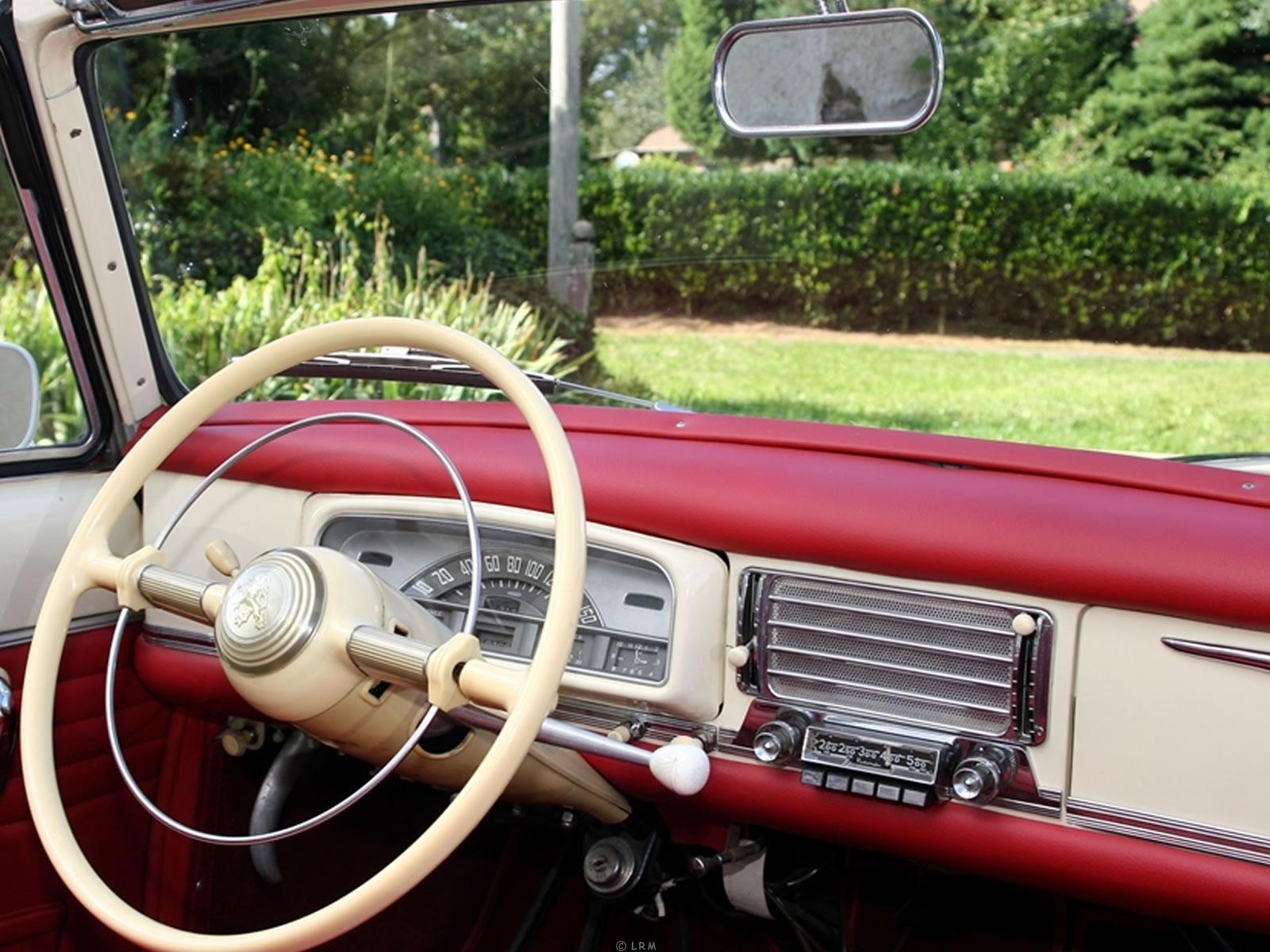 louer une peugeot 403 cabriolet de de 1958 photo 4. Black Bedroom Furniture Sets. Home Design Ideas