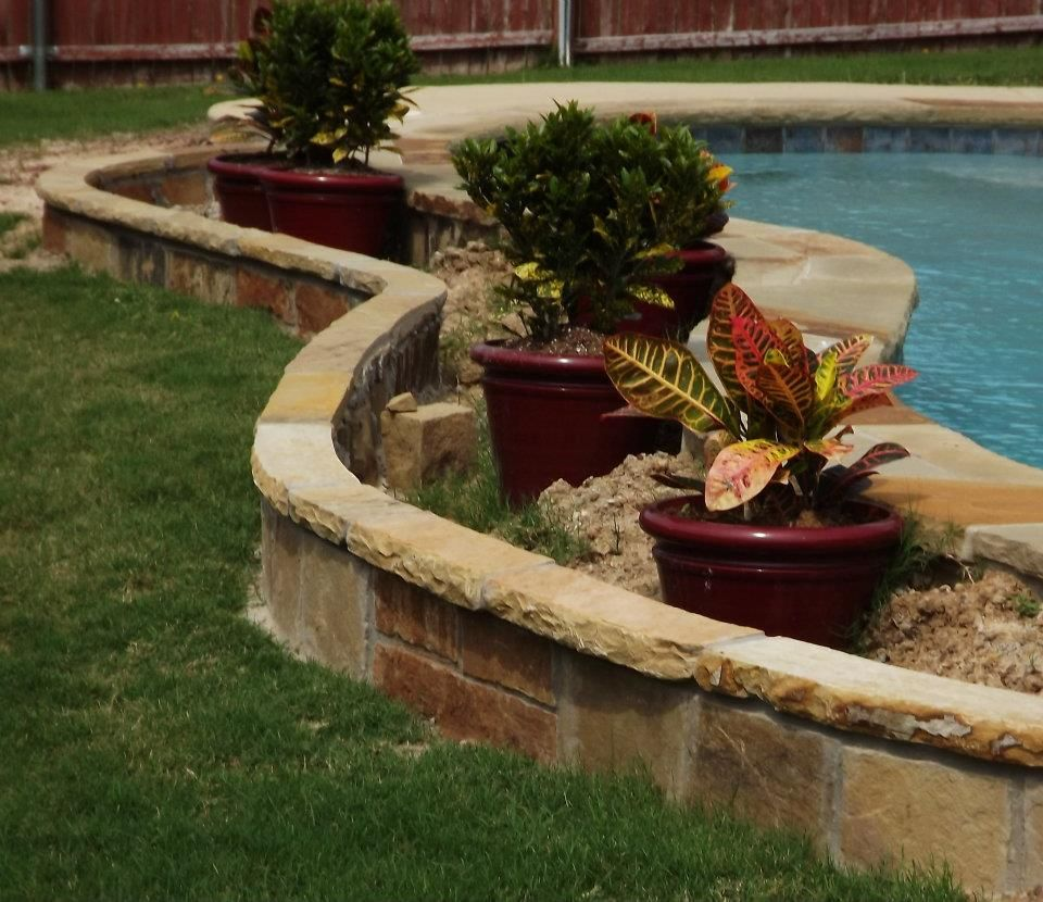 Stone flower bed edging design ideas gardening for Flower bed edging ideas