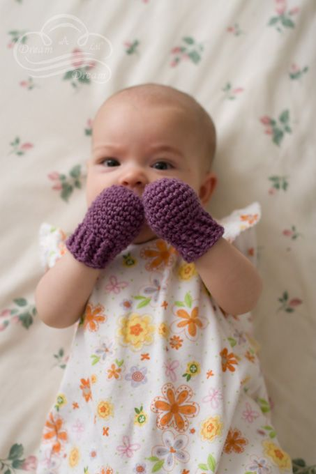 Project Monday: Crocheted Baby Mittens : Dream A Lil Dream Tutorial ...