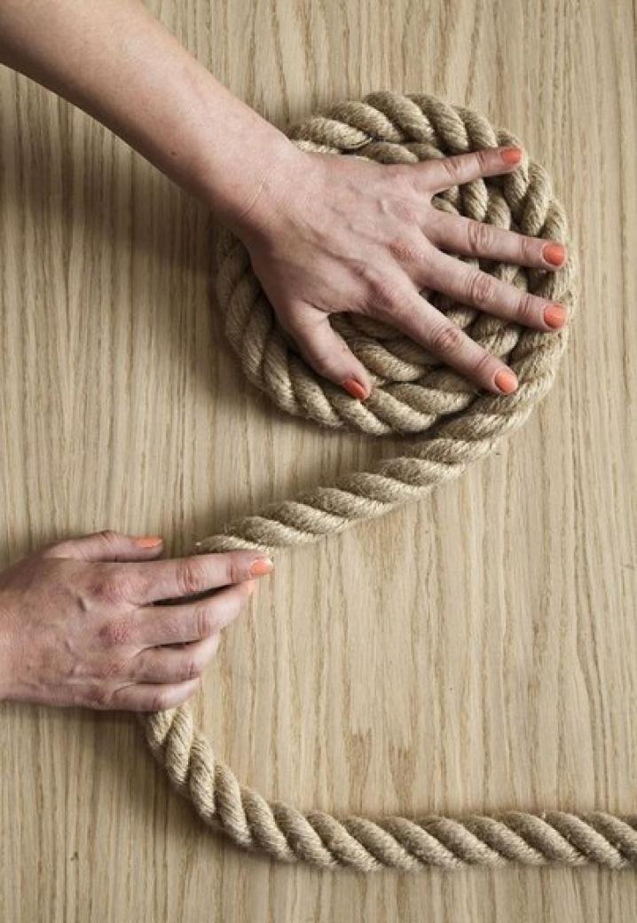 Un elegante tappeto di corda fai da te | Home | Rope rug, Rope ...
