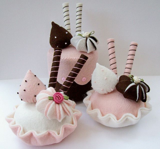 felt desserts that look good enough to give up for Lent! from Stripes and Stars