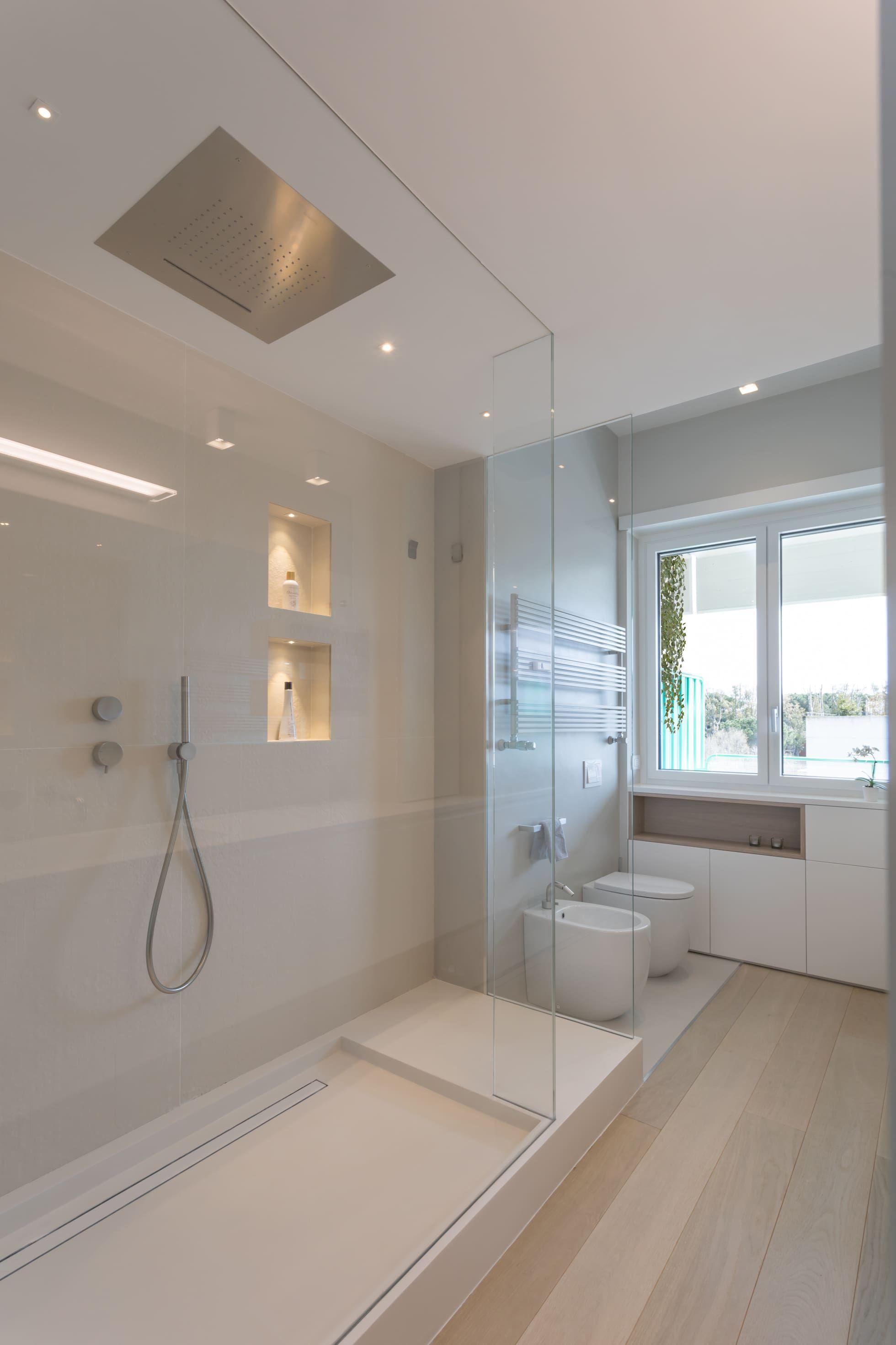 Casa Fg Bianco Scolpito Bagno Moderno Di Mamestudio Moderno