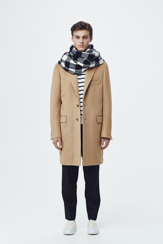 #14 Coat:TOMORROWLAND/¥118,800 Cut & Sewn:TOMORROWLAND/¥21,600 Pants:TOMORROWLAND/¥24,840 Muffler:Blech/¥27,000 Shoes:SPECTUSSHOECO./¥21,060