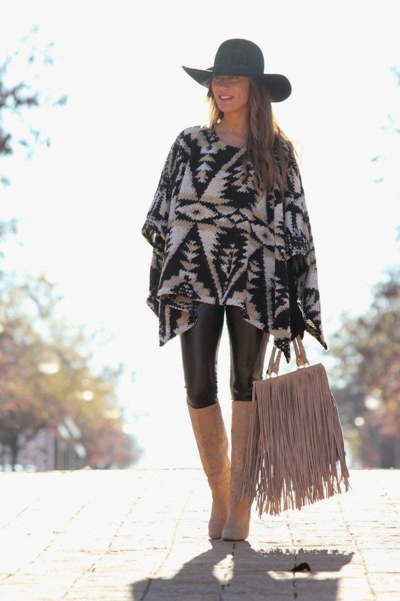 LOLA MANSÍL Fashion Diary: PONCHO ETNICO