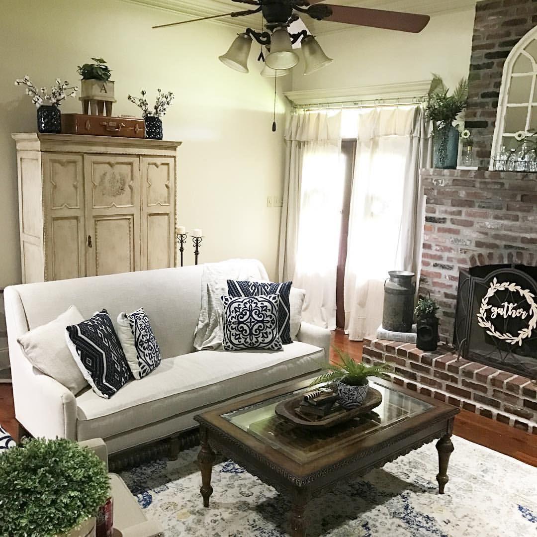 Living room farmhouse style navy blue chalk paint