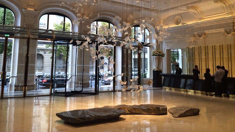 Peninsula Hall, Paris - Ludek Hroch