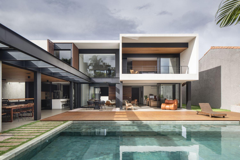 Galeria De Casa Ga Esquadra Arquitetos 1 Modern House Design House Modern Floor Plans