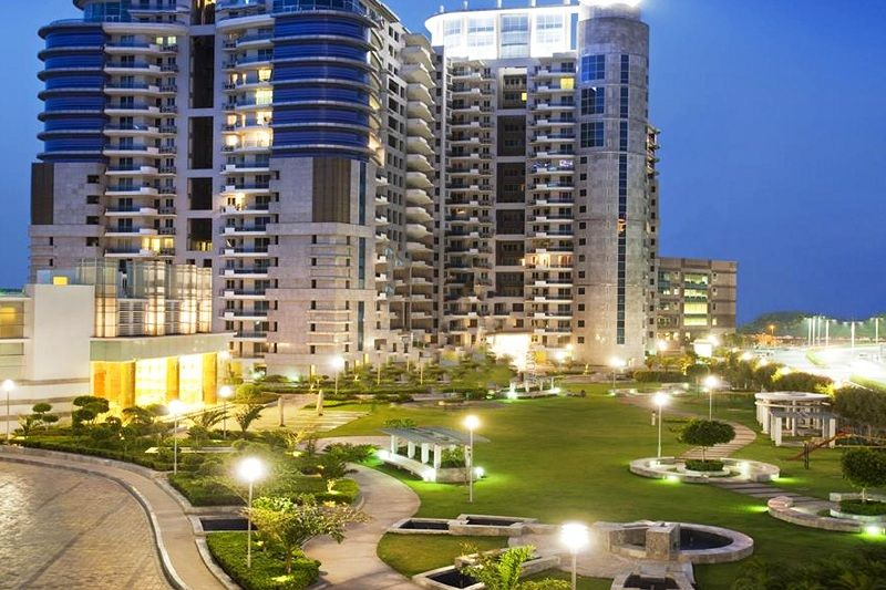 Dlf Pinnacle Rental Property In Gurgaon Serviced Apartments Luxury Apartments Golf Estate