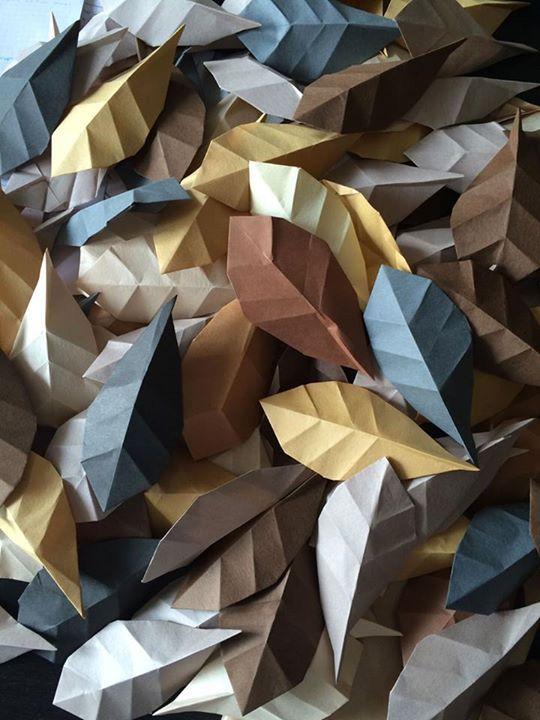 62f3f2f4bd27 Origami leaves