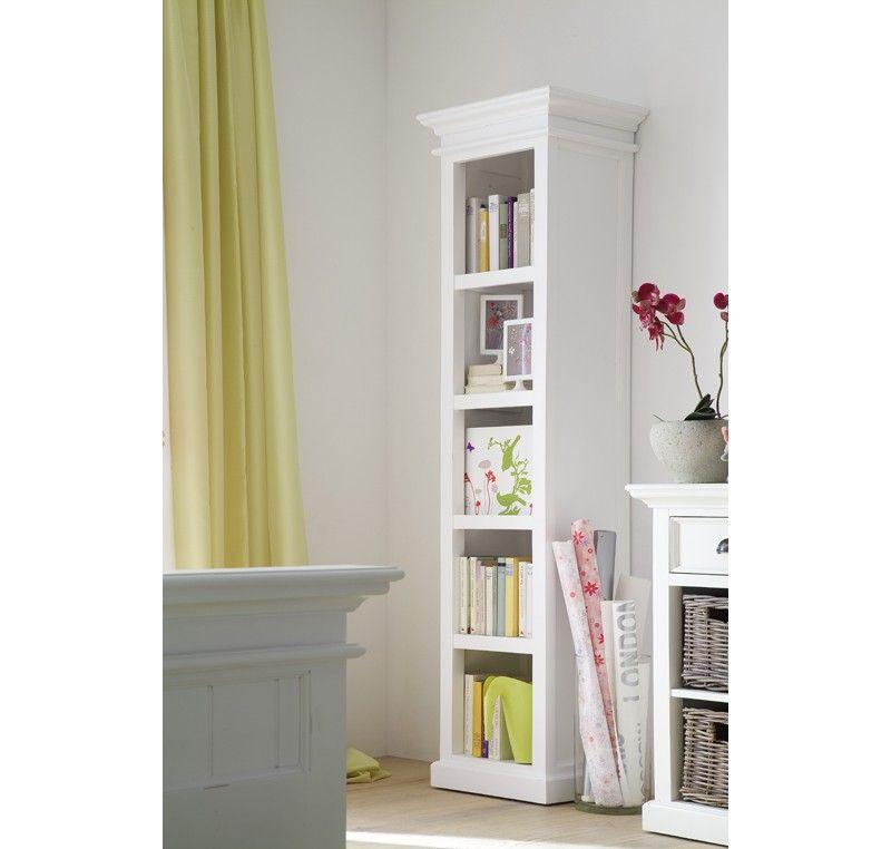 Cette Belle Bibliotheque En Bois Blanc De Notre Collection Leirfjord Prendra Parfaitement Place Dans Votre Sej Mobilier De Salon Etagere Livres Mobilier Blanc