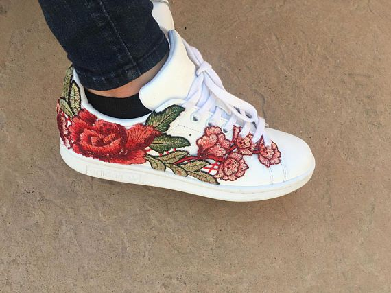 save off f11f3 e4f78 Rose embroidered Stan Smith Adidas | Punky hippie ster ...