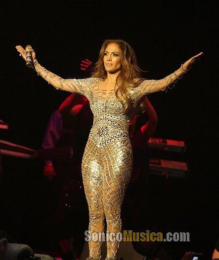 Fotos Jennifer Lopez con sus trajes sensuales | SonicoMusica.COM