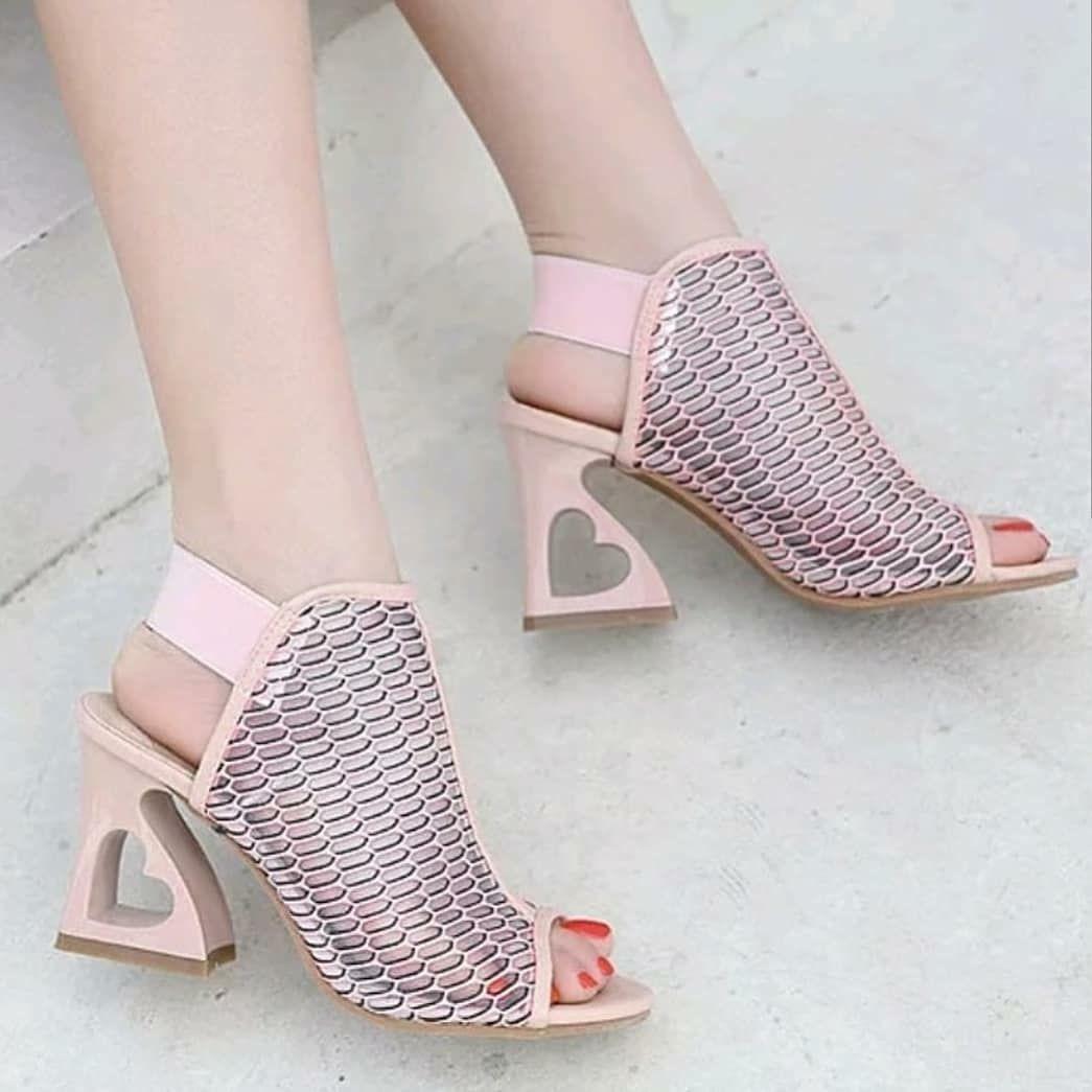 Angel Bag Shoes S Instagram Profile Post Whatsapp 0552 294 99 53 Detaylar Ve Renkler Icin Sola Kaydirin Lutfen Fiyat In 2020 Peep Toe Sandals Heels New Style Shoes