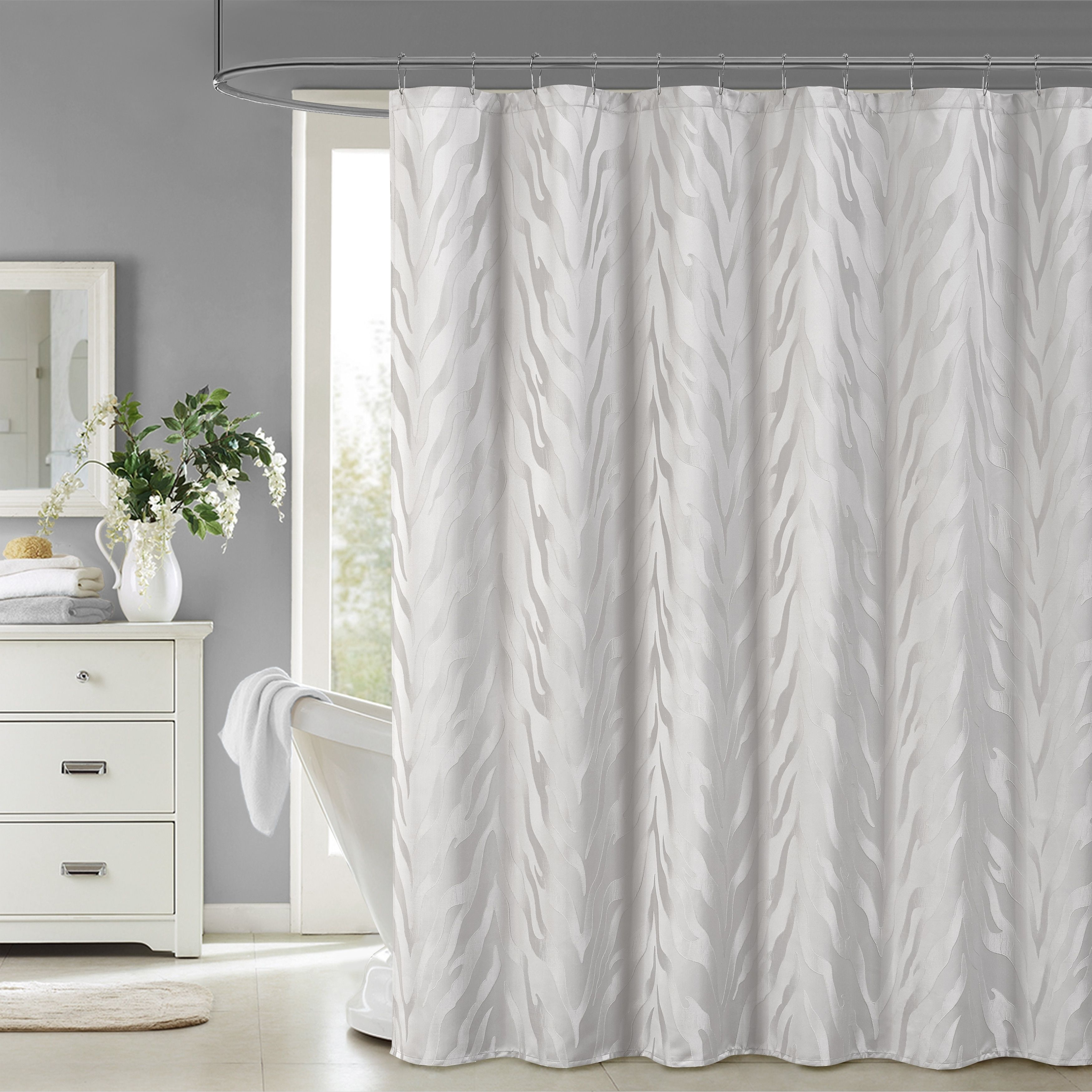 Five Queens Court Kendall Woven Jacquard Shower Curtain 72 X 84 Silver Curtains Shower Serene Bathroom