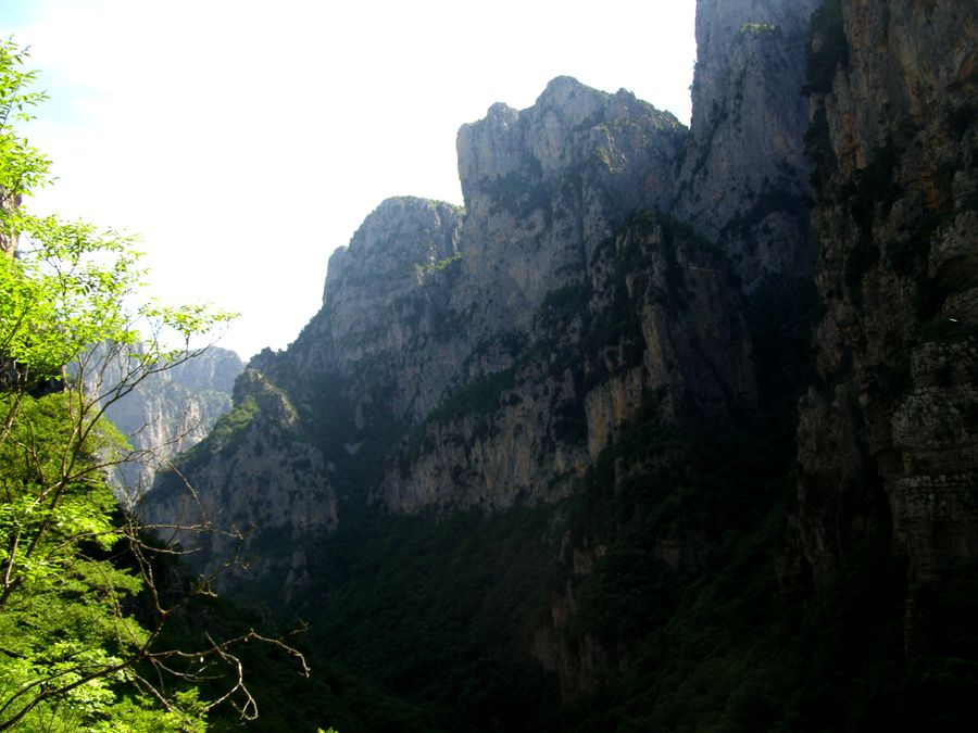 Hiking Vikos Canyon (Greece)