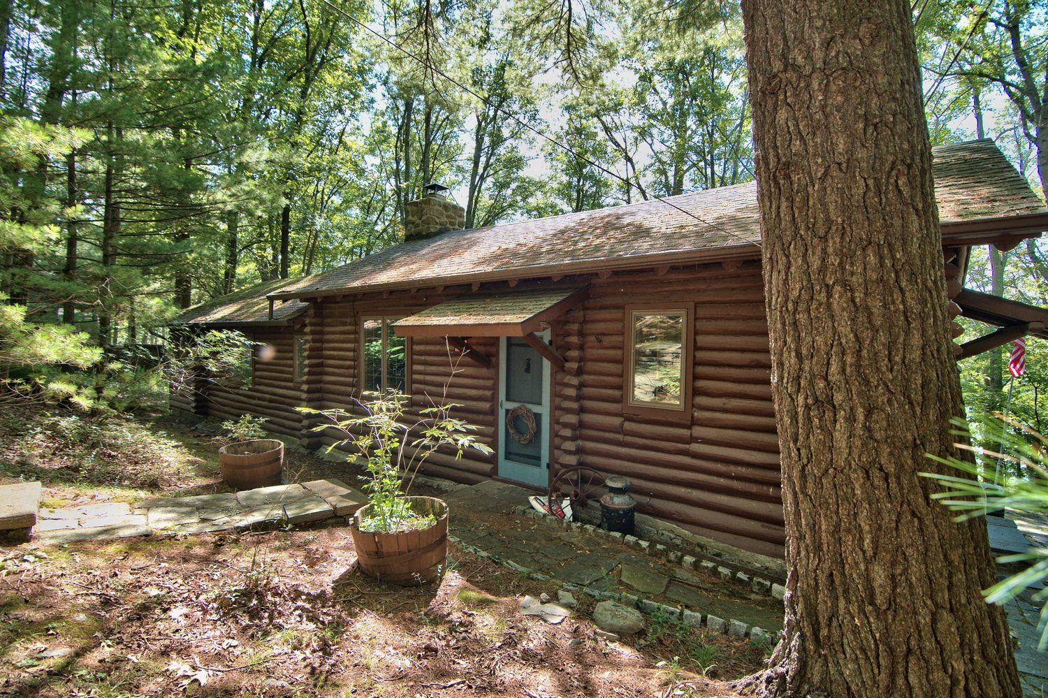 Book this lakefront home in lake wallenpaupack