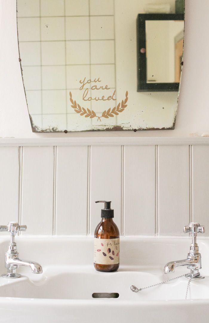 Option für Wand hinter Waschbecken im Bad anstatt Fliesen? room