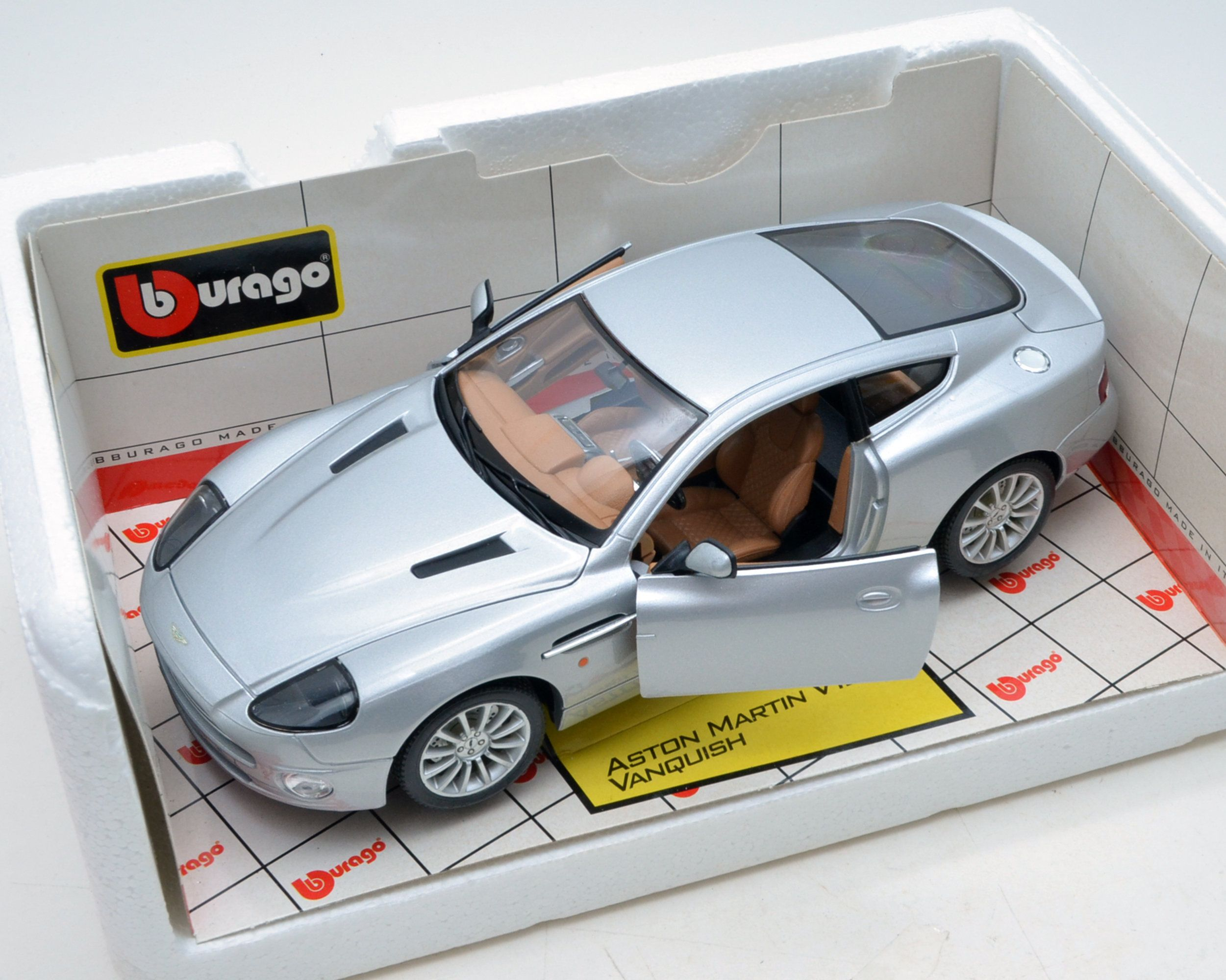 Burago Aston Martin V12 Vanquish 1 18 Scale Diamond Collection 1 18 Scale Metal Die Cast Car Aston Martin V12 Aston Martin Vanquish