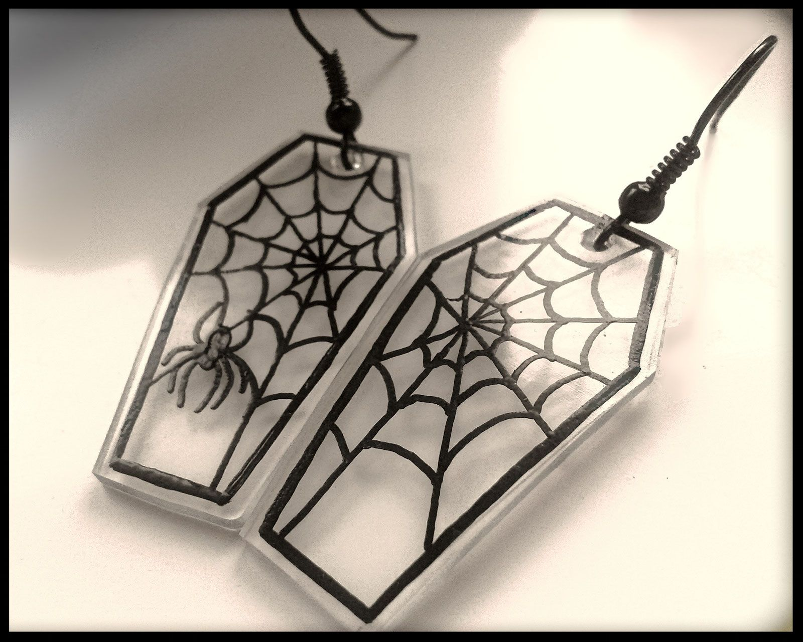 Women//Girl Halloween Black Spider Hook Earrings OR Necklace-N1 /& E1