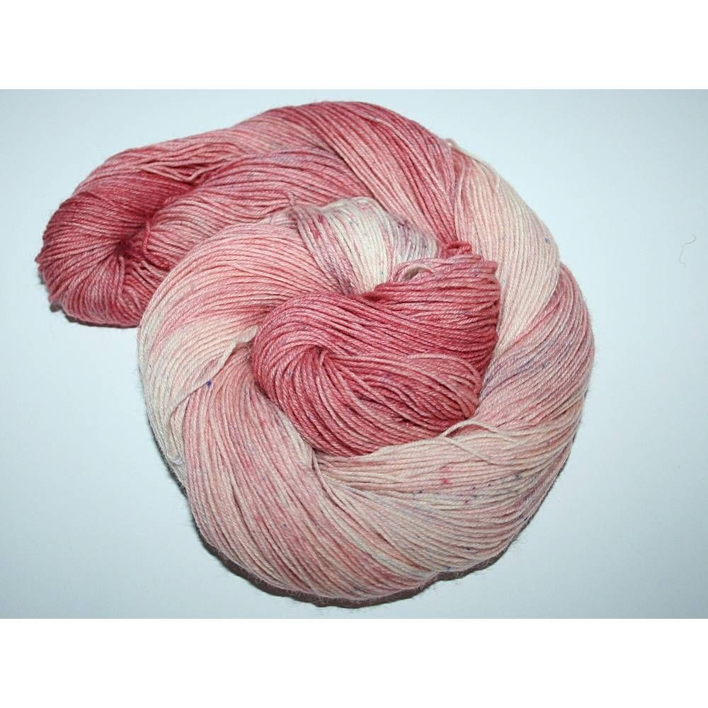 Sockenwolle Handgefarbt 4 Fach In 2020 Von Hand Stricken Handgefarbte Wolle Handgefarbtes Garn