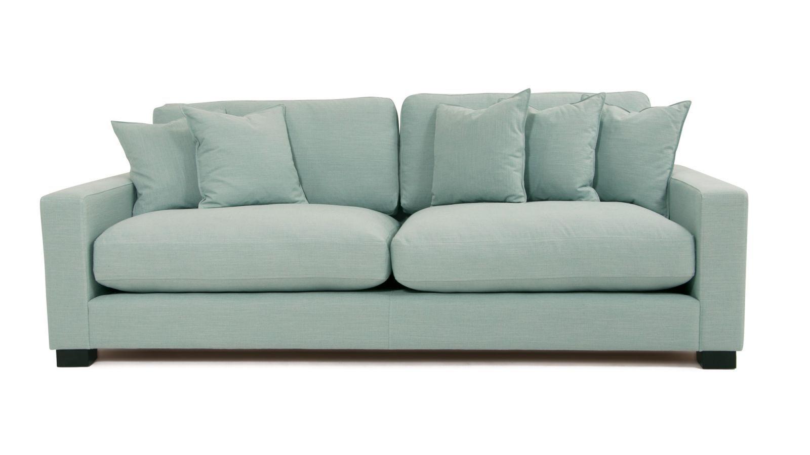 Turkos Valen soffa i linne. Linnetyg, djup soffa, låg soffa, träben, vardagsrum. http://sweef.se/soffor/111-valen-soffa-i-linne.html