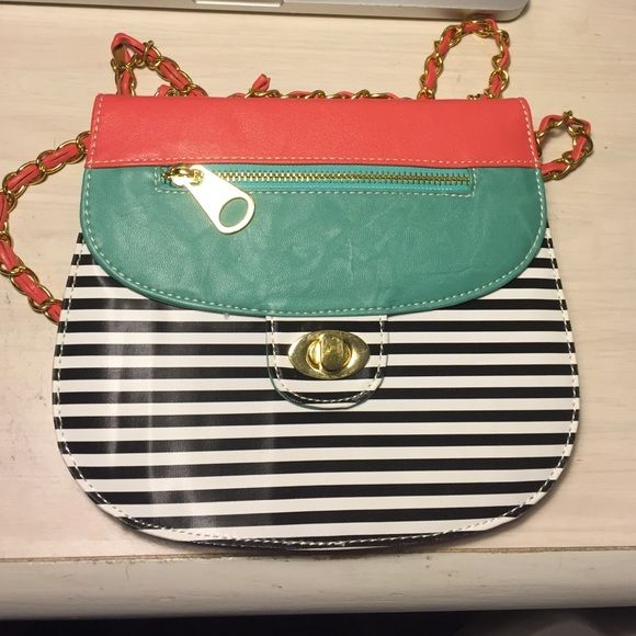 Cute and funky cross body bag Bought from a little boutique holds all your essentials! Bags Crossbody Bags