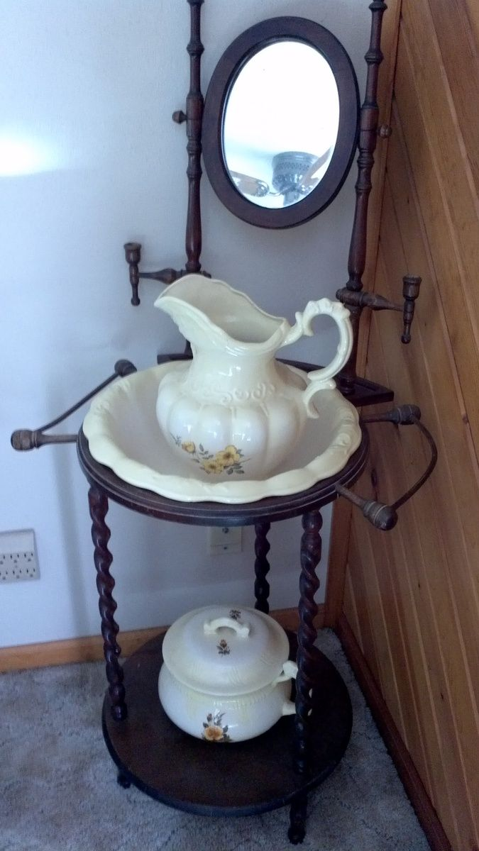 Antique Wash Stand With Pitcher And Basin.and Chamber Pot! I Have One Just  Like This Stand! My Chamber Pot Is Lavender.