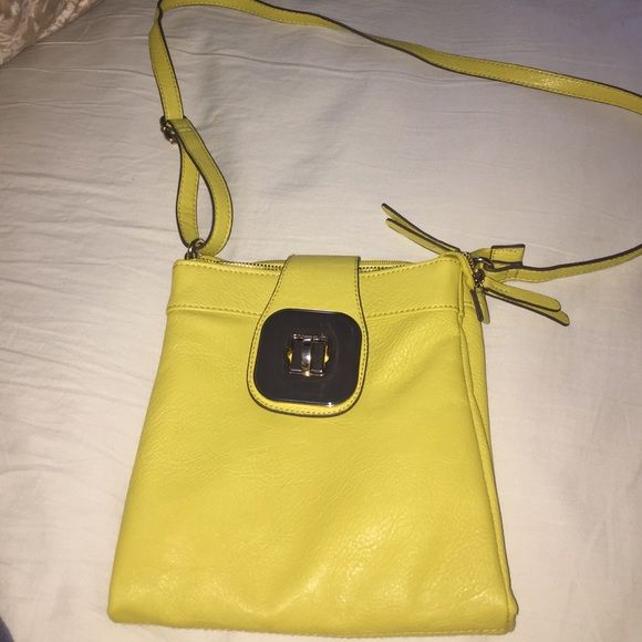 Bueno Purse Cute Purse By Bueno Has A Long Strap And It Opens
