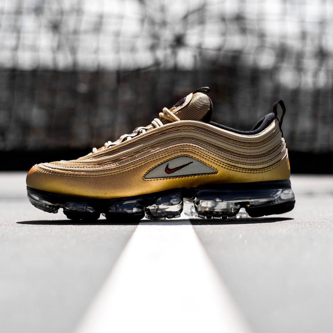 huge discount 1fb96 907cf Release Date   May 17, 2018 Nike Air VaporMax 97 « Metallic Gold » Credit   Jimmy  Jazz
