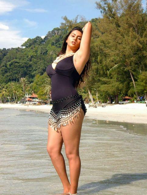 South Indian Actress Namitha Kapoot Hot Bikini Beach Pics