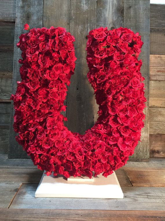 Lucky Rose Petal Horseshoe Centerpiece Display Hand Made Valentine S Day Decor