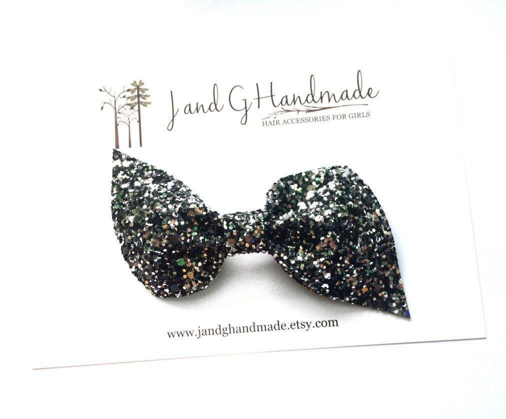 "handmade little mix 4/"" Fabric//glitter Hair Bow On A Clip"