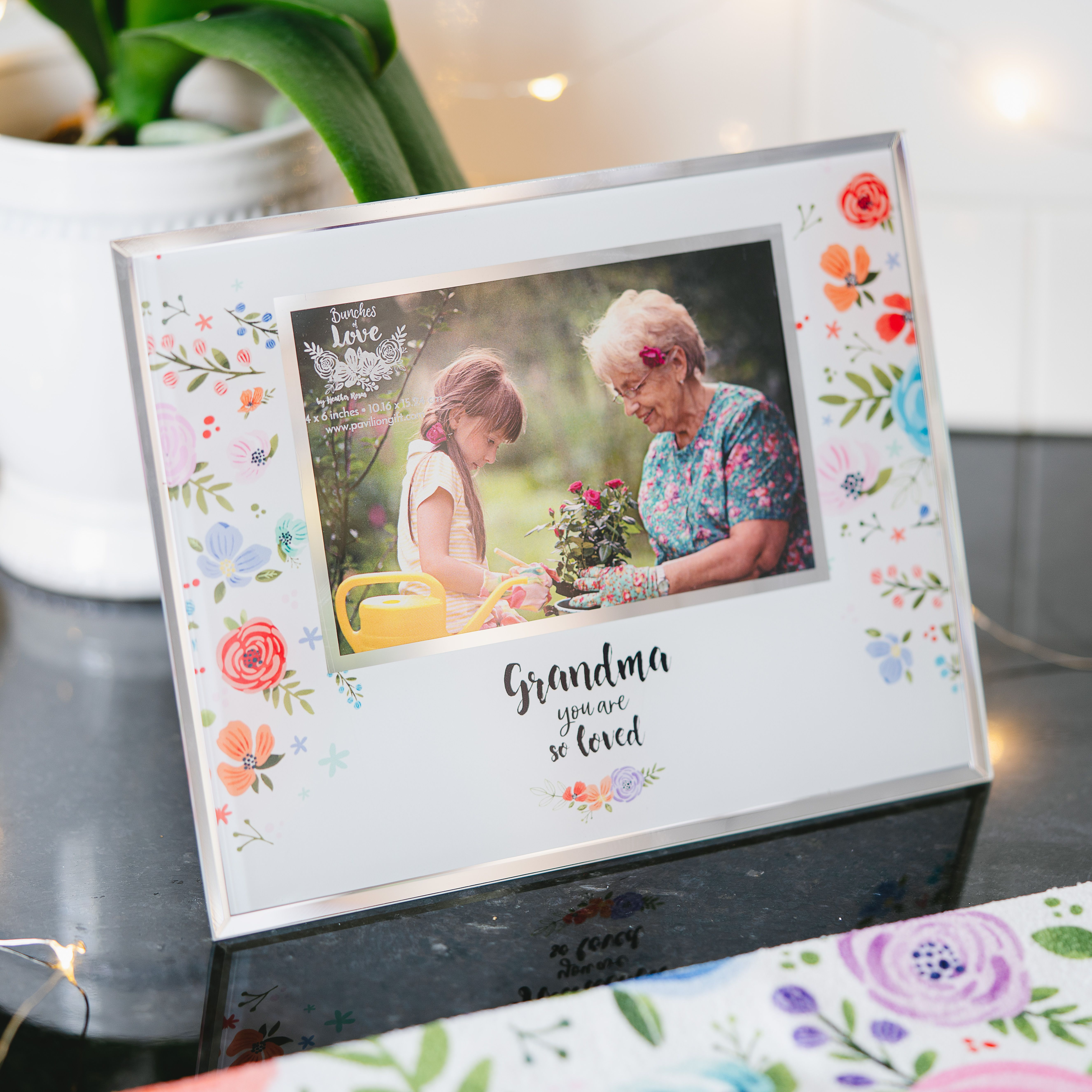 Grandma 9 25 X 7 25 Frame Holds 6 X 4 Photo In 2020 Frame Photo Picture Frames Picture Frames