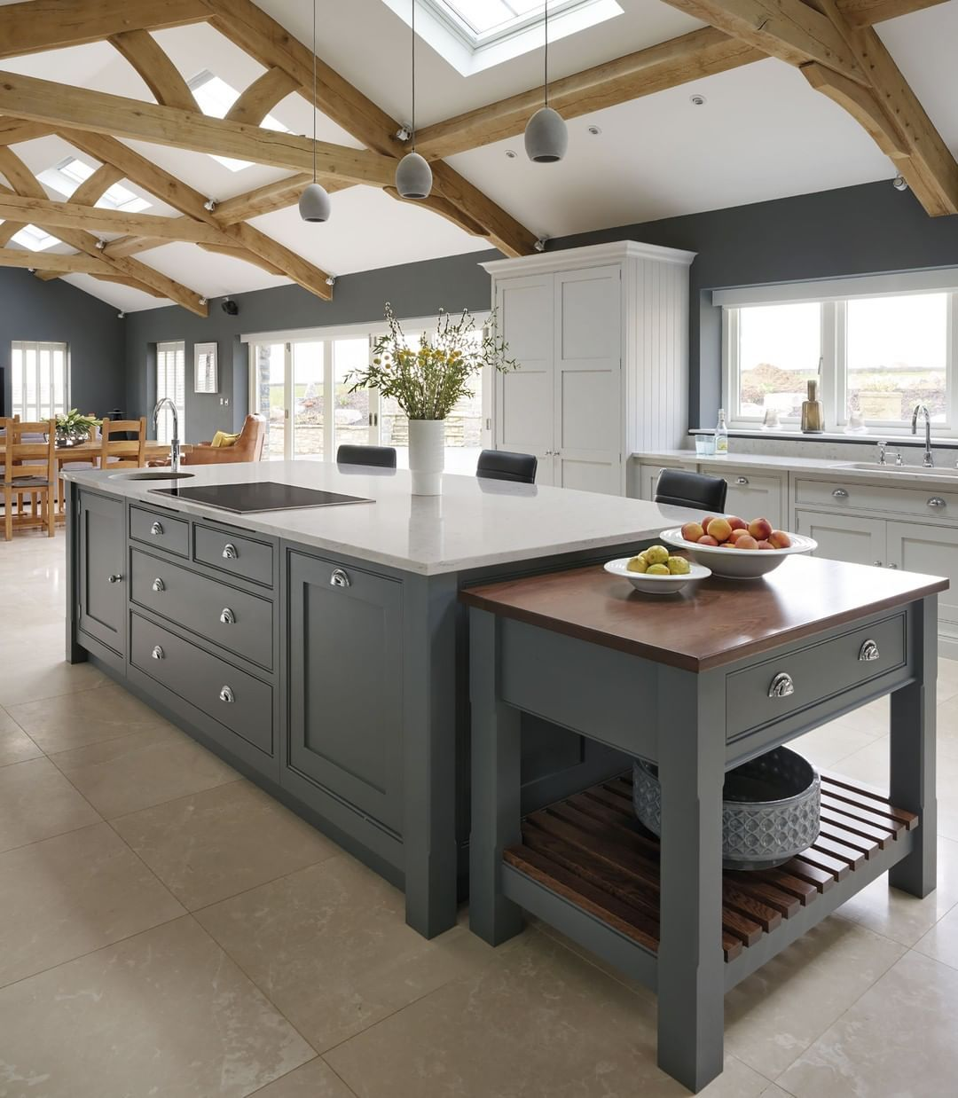 we love the natural light in this spacious grey kitchen