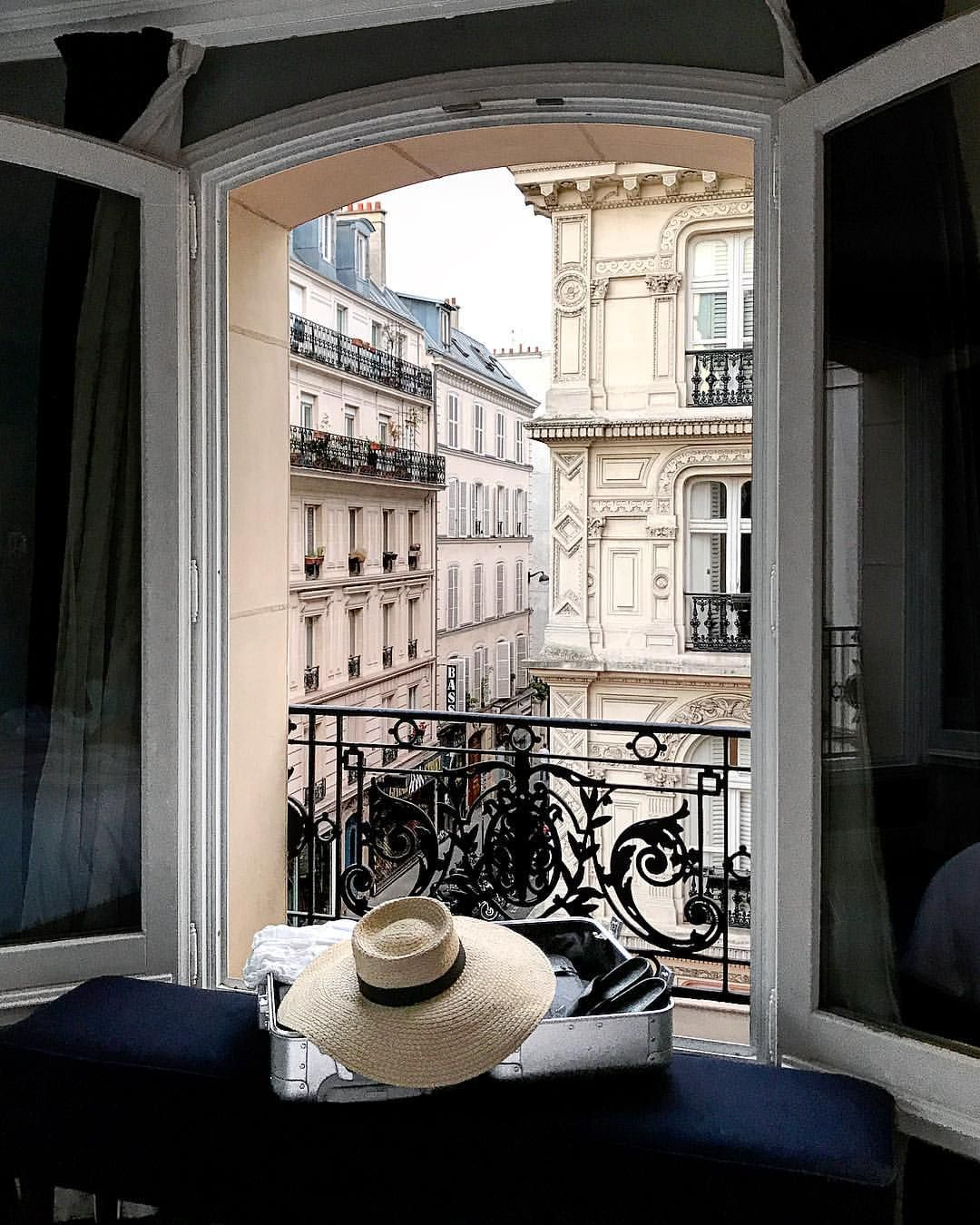 Hotel Villa La Parisienne Parigi can i just be parisienne now please? 💕 @away #travelaway